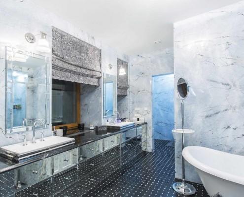 Rivestimento bagno in iceberg blue - Profilo rivestimento bagno ...